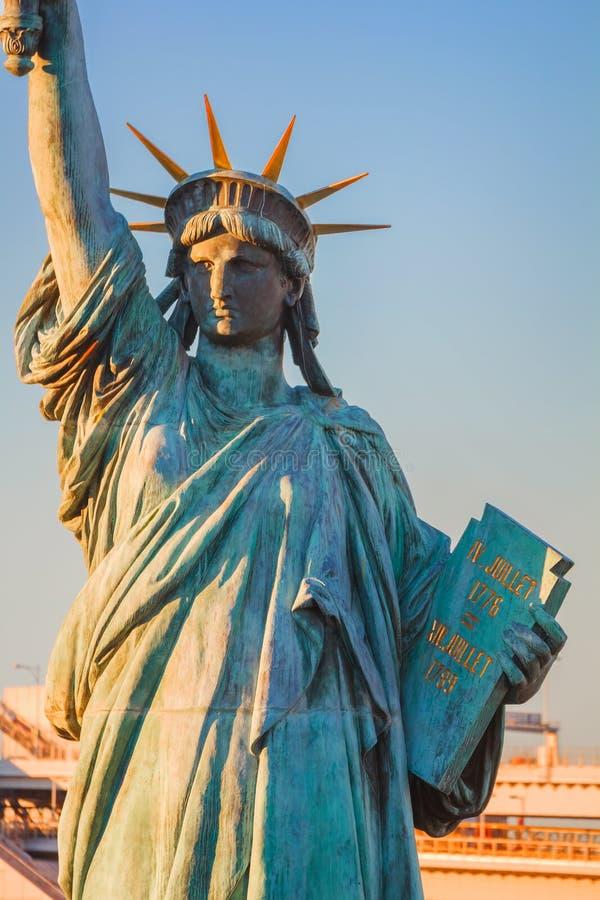 自由女神像在Odaiba地区,东京 免版税库存图片