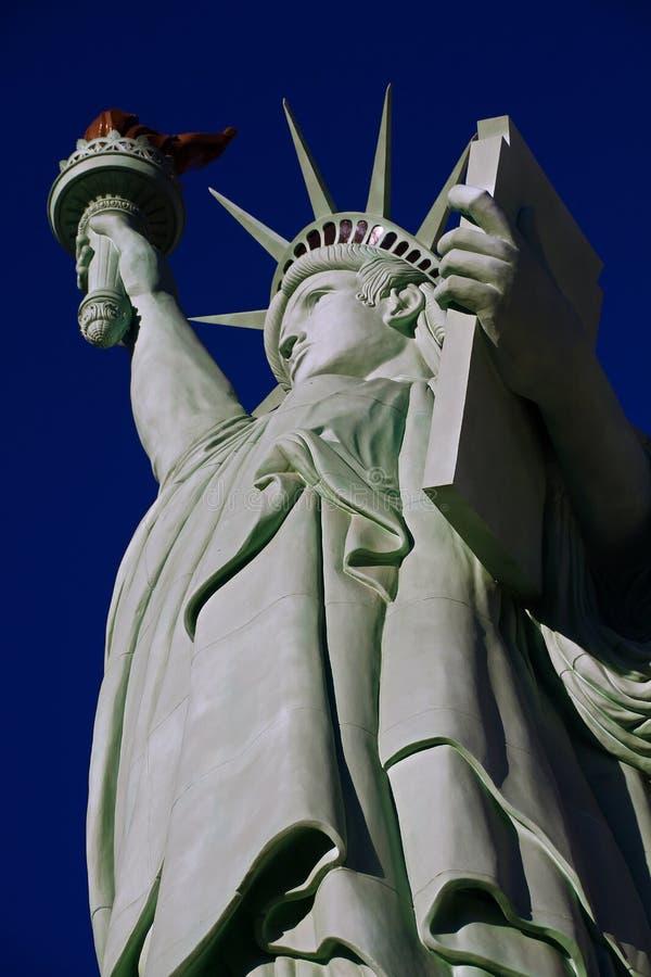 自由女神像是奥古斯特设计的一个巨大铜雕象Bartholdi 库存图片