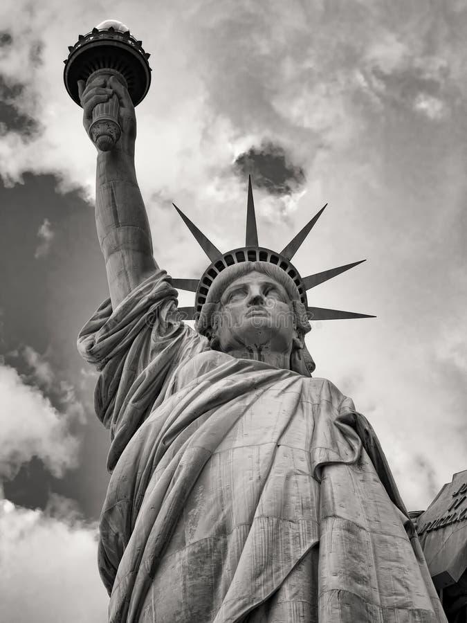自由女神像的黑白图象在纽约 免版税图库摄影