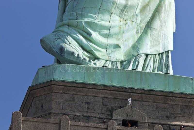 自由女神像脚的细节 免版税库存图片