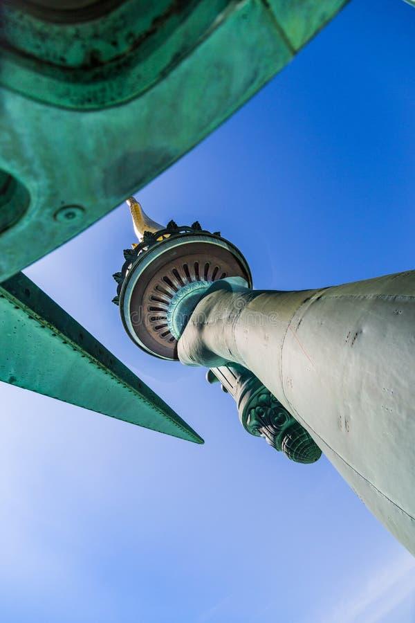 自由女神像-火炬和冠 免版税库存照片