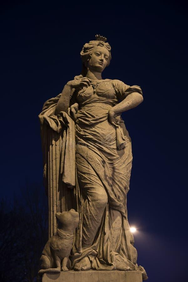自由形象在晚上,雕塑从在的18世纪 免版税库存图片