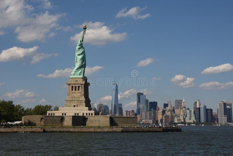 自由曼哈顿地平线雕象 免版税库存图片
