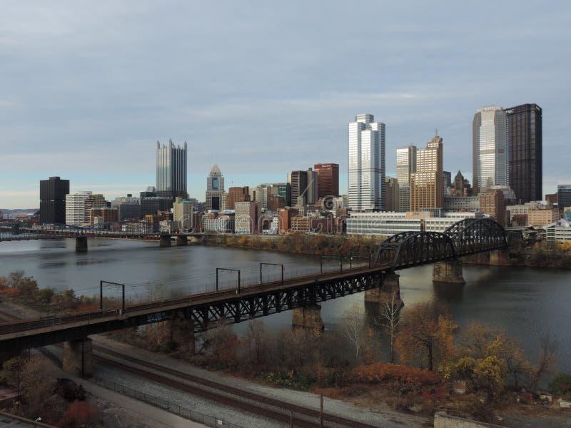 从自由桥梁的匹兹堡地平线 免版税库存图片