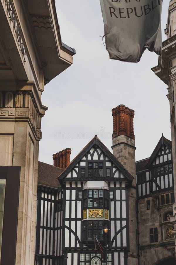 自由百货商店的外部在伦敦市中心 库存照片