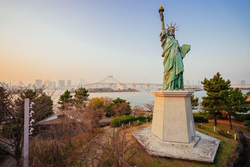 自由雕象在Odaiba 免版税库存照片