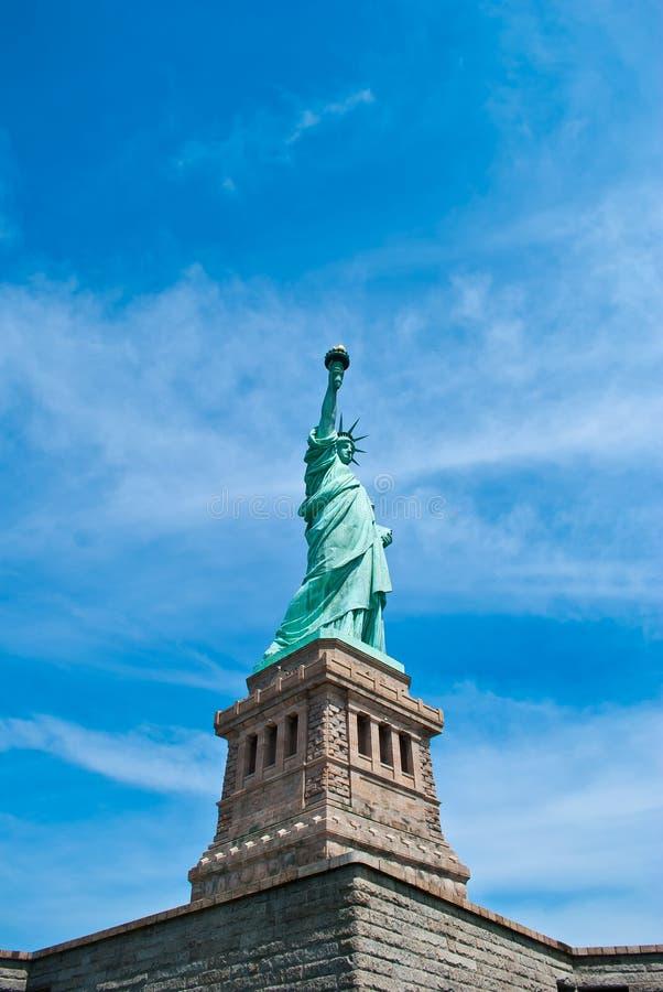 Download 自由雕象 库存照片. 图片 包括有 国家, 火炬, 夫人, 查出, 旅行, 地平线, 历史, 自由, 城市 - 22350656