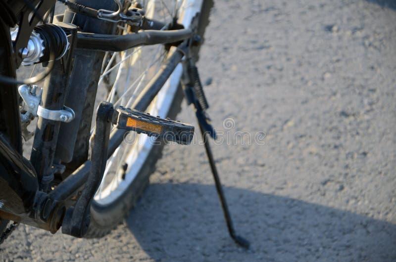 黑自行车后轮 免版税库存图片