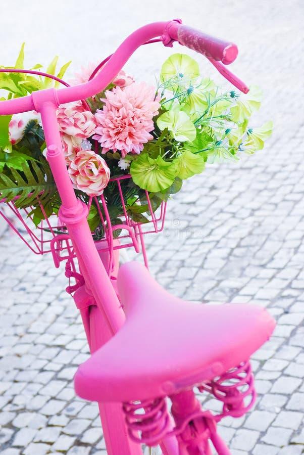 自行车粉红色 免版税库存图片