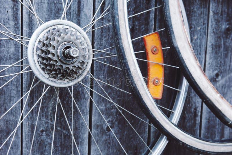 自行车老轮子 免版税图库摄影