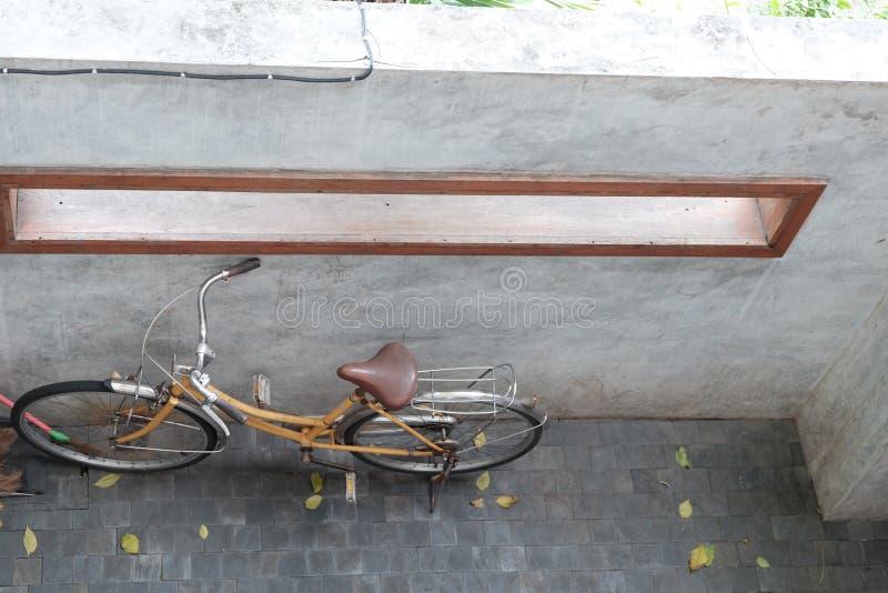 自行车葡萄酒 免版税库存照片