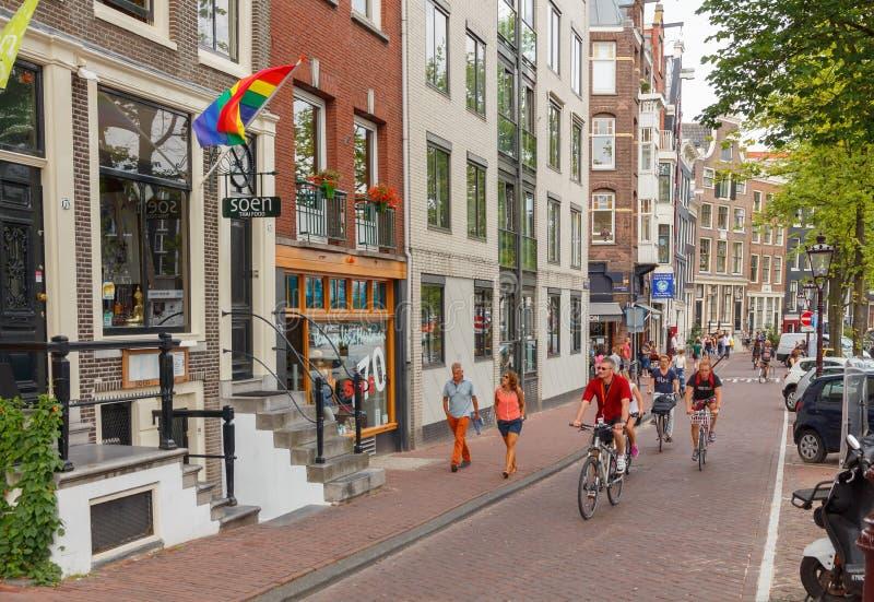 自行车骑士在阿姆斯特丹 免版税库存照片