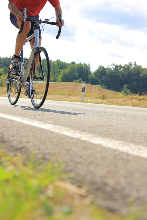 自行车骑士 免版税库存照片