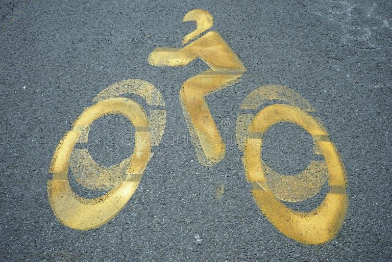 Download 自行车 库存图片. 图片 包括有 轮子, 符号, 欧洲, 颜色, 涂柏油的, 盔甲, 照片, 要素, 黄色 - 59109847