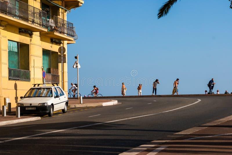 臭名昭著的散步Cotiere在尼斯 免版税库存图片