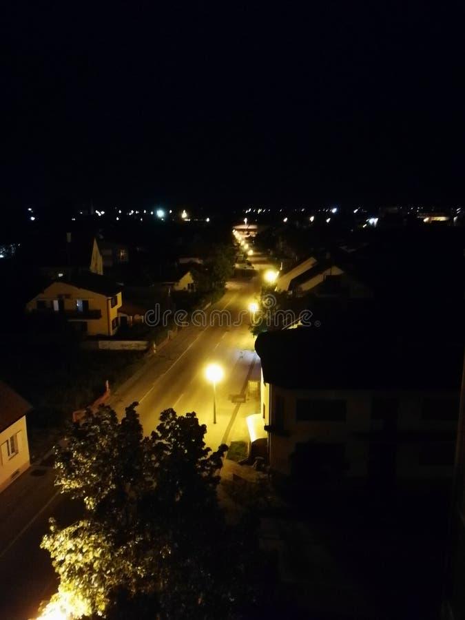 舒适下房子晚上浪漫海星街道 库存图片