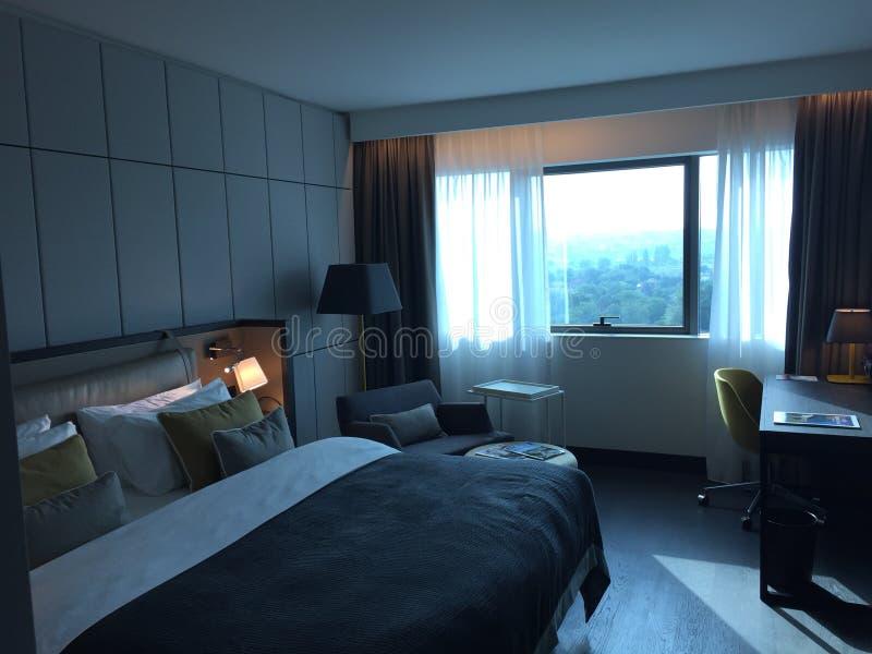 舒适和豪华旅馆客房 免版税库存照片