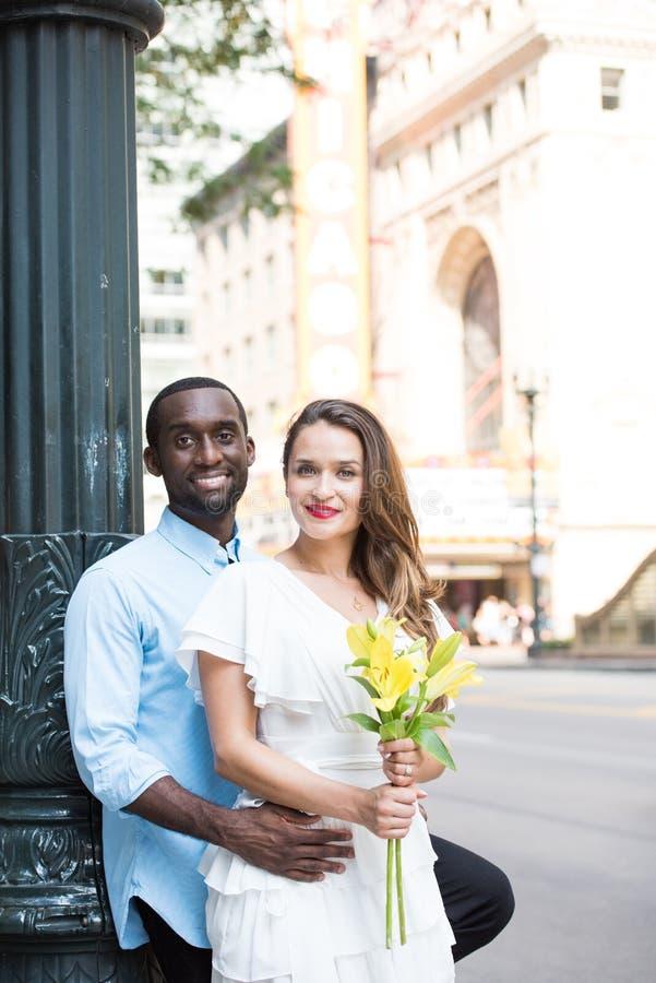 舒适年轻夫妇 免版税库存图片