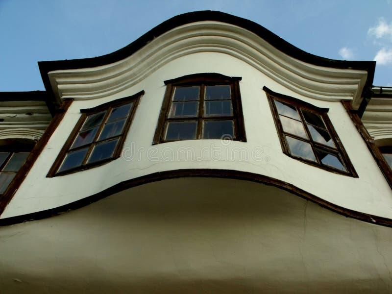 舒门餐馆和俱乐部建筑师镇的老部分的中世纪房子  免版税库存照片
