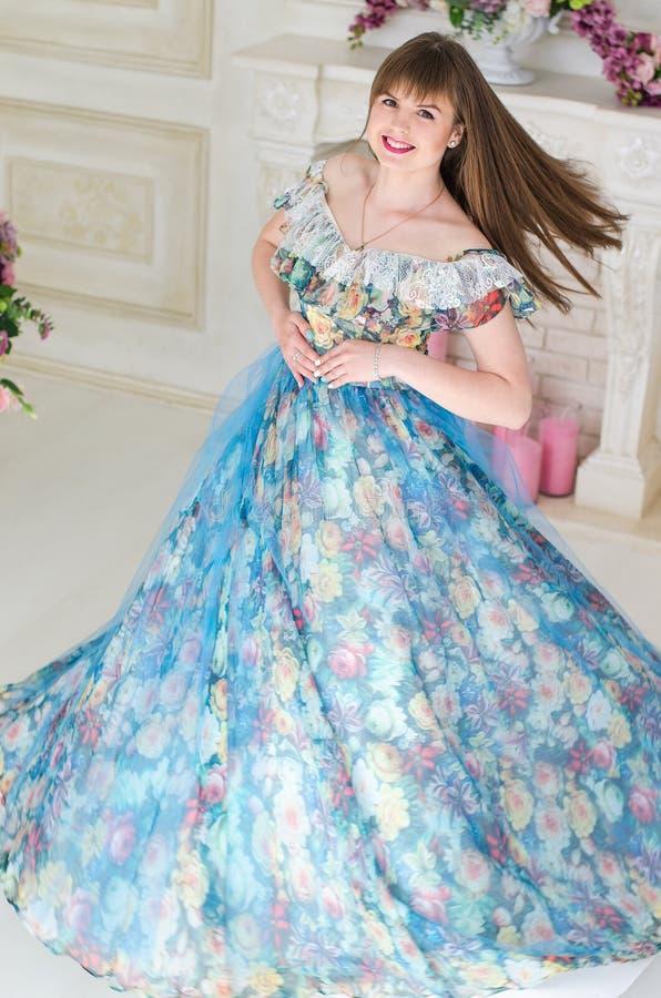 舞会礼服的女孩 图库摄影
