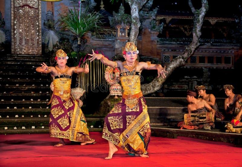 舞蹈印度尼西亚janger ubud 库存照片
