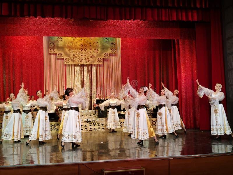 舞蹈家带阶段的在科斯坦丁特纳塞杂志剧院,布加勒斯特,罗马尼亚 库存照片