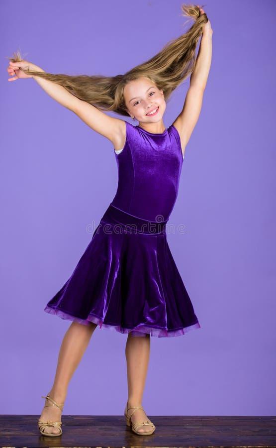 舞蹈家的发型 如何做孩子的整洁的发型 您需要的事知道关于舞厅舞发型 的气球驾驶者 免版税库存图片
