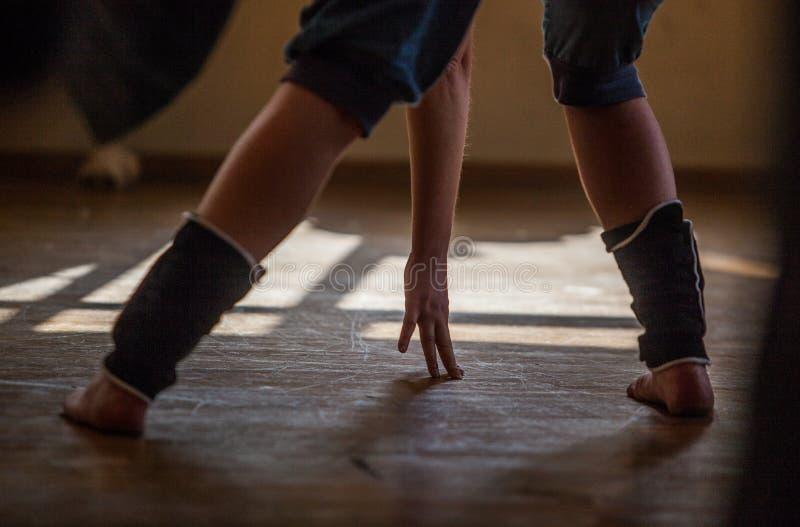 舞蹈家腿 免版税库存图片