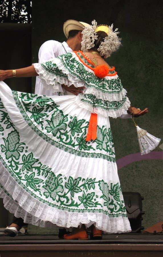 舞蹈拉丁性能 免版税库存图片