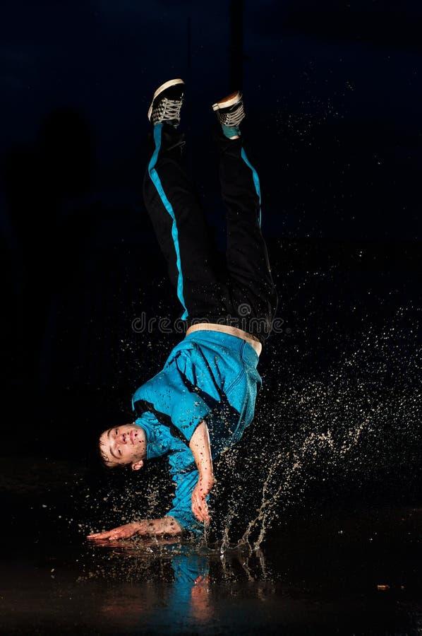 舞蹈演员水 免版税库存照片