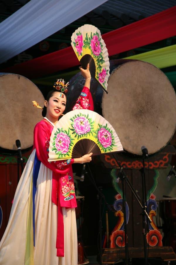 舞蹈演员韩文 免版税图库摄影