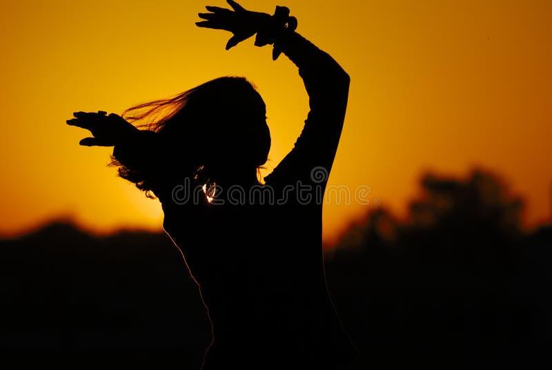 舞蹈演员pushkar日落 免版税库存图片