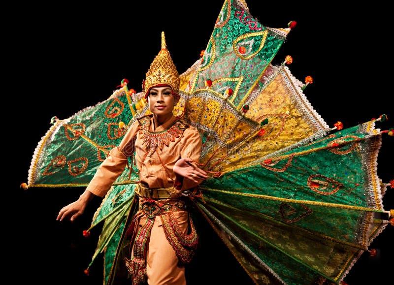 舞蹈缅甸peakock 图库摄影