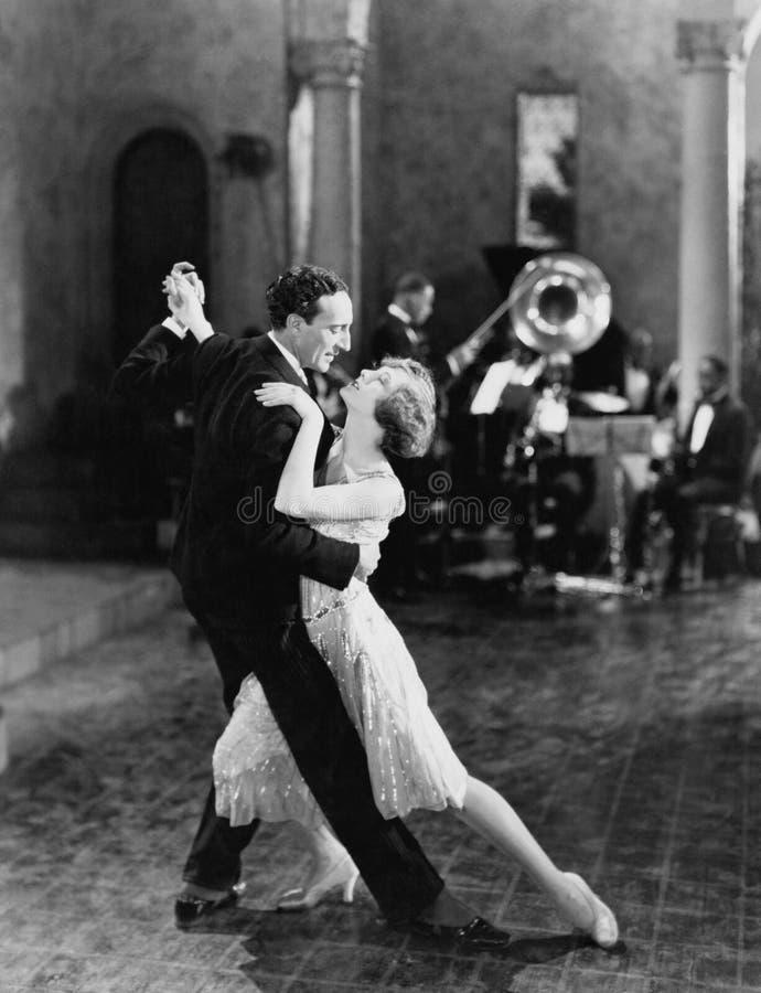 舞蹈队(所有人被描述不更长生存,并且庄园不存在 供应商保单将没有式样rele 库存图片