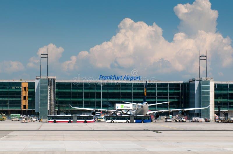 航空器机场法兰克福汉莎航空公司主&# 免版税图库摄影