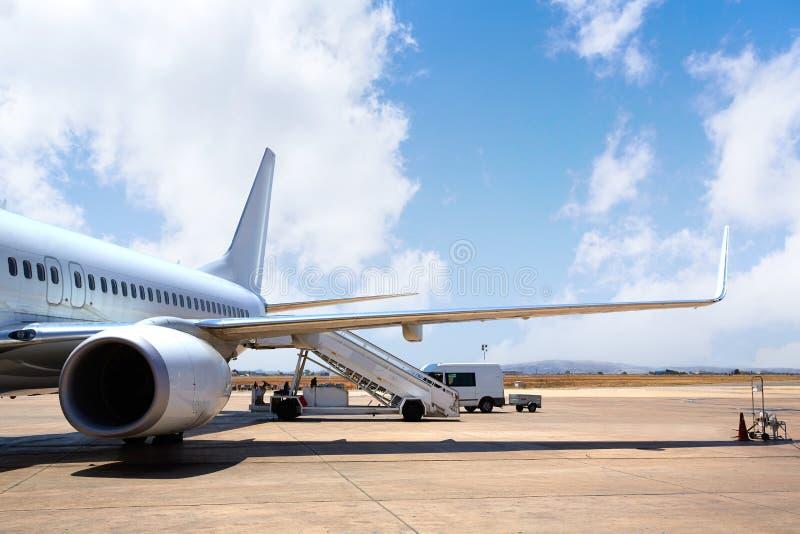 航空器飞机在登陆的机场 图库摄影