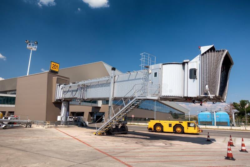 航空通道桥梁,在机场的上的桥梁 库存图片