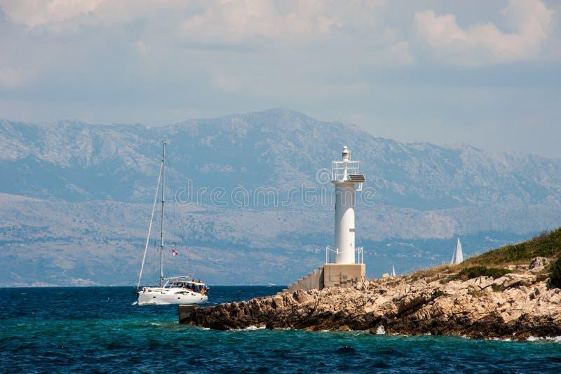 航行在克罗地亚的海岛中 免版税库存图片