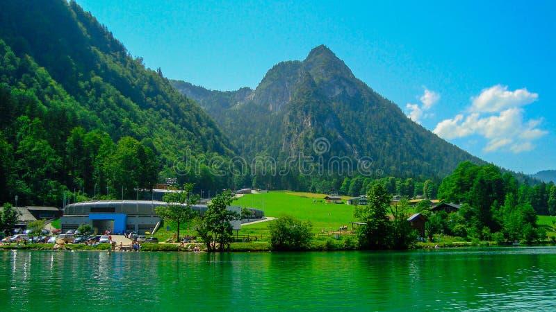 Download 航行在Koenigsee 7 库存图片. 图片 包括有 安静, 德国, 岩石, 横向, 峭壁, 公园, 本质 - 62532775