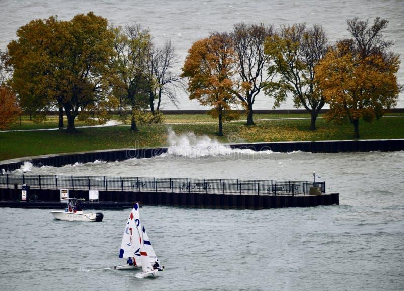 航行教训在贝尔蒙特港口 图库摄影