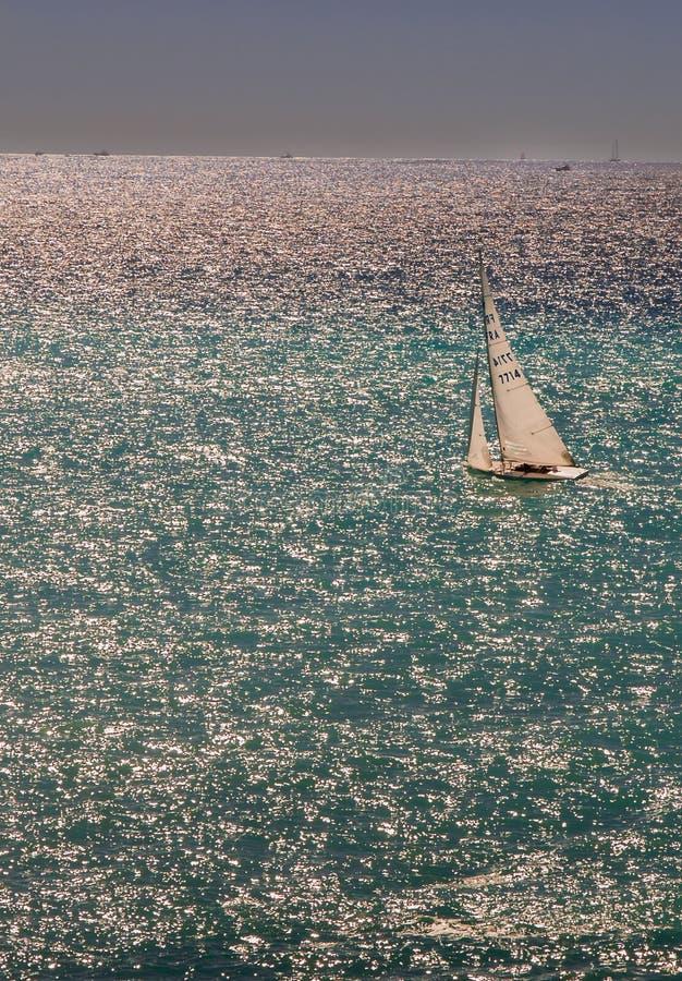 航行日落在尼斯 免版税库存照片