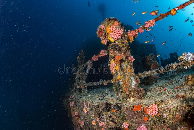 船击毁在巴厘岛印度尼西亚印度洋 库存图片