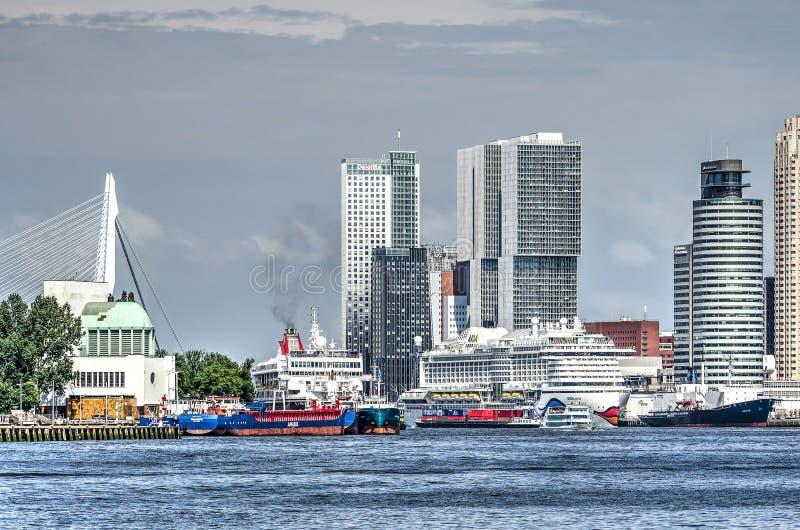 船和城市 库存照片