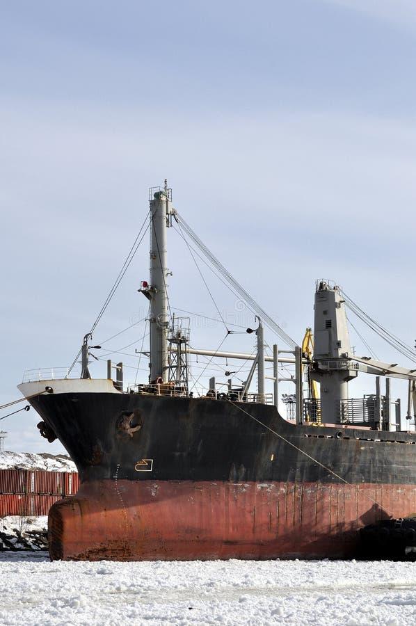 Download 货船在冬时停泊端起 库存图片. 图片 包括有 贸易, 古代人, 线路, 海运, 行业, 电缆, 端口, 船舶 - 30327901