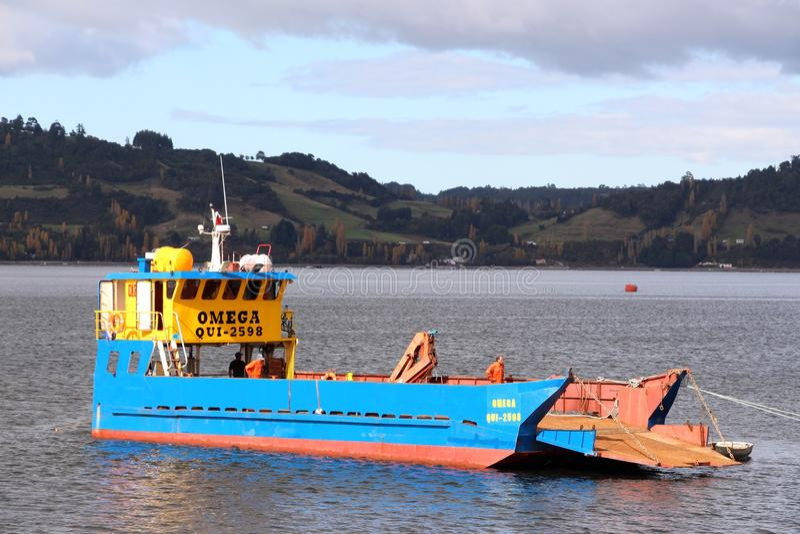 货船在卡斯特罗智利 图库摄影