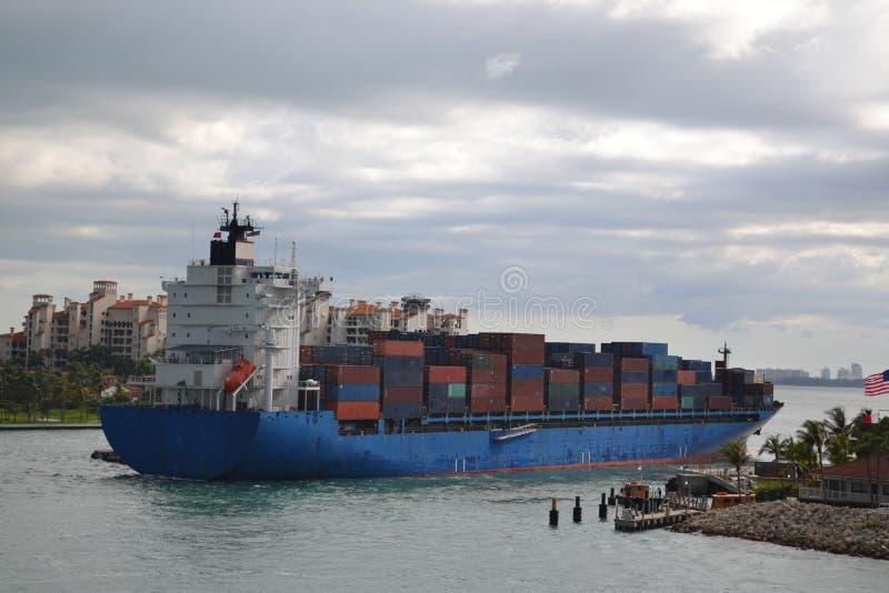 货船容器 免版税库存照片