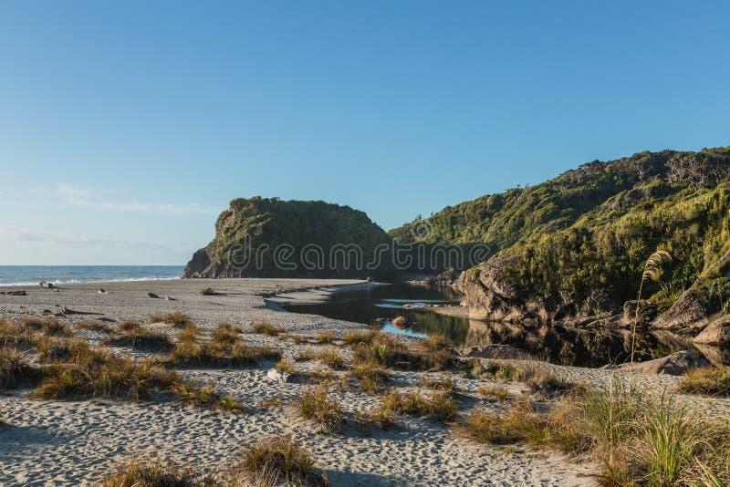 船小河, Haast,西海岸, Tauparikaka海洋储备,新西兰 库存照片