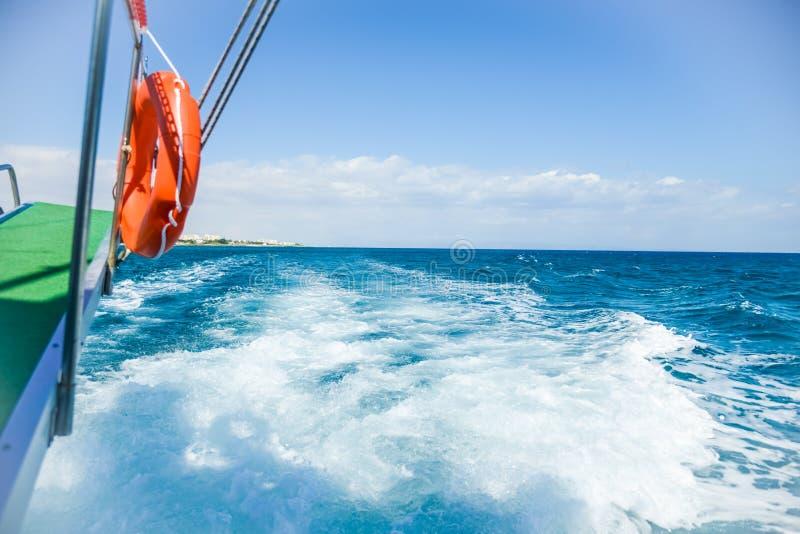 船海的通道 免版税库存照片
