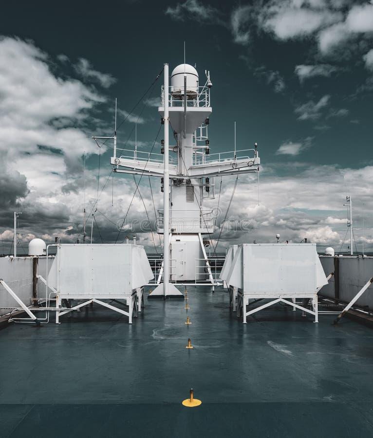 船的雷达帆柱 免版税库存图片