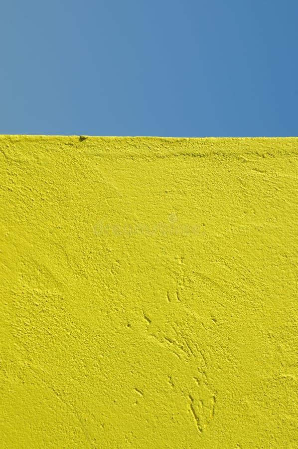 黄色墙壁 免版税库存图片